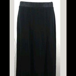 Neiman Marcus full Skirt black Medium